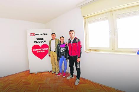 Ljubisavljevići su se slikali u stanu koji se nalazi u centru Lebana