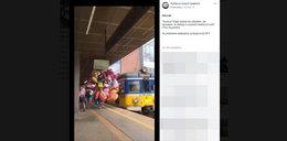 Pasażerowie zdębieli. Tak wpakował się do pociągu