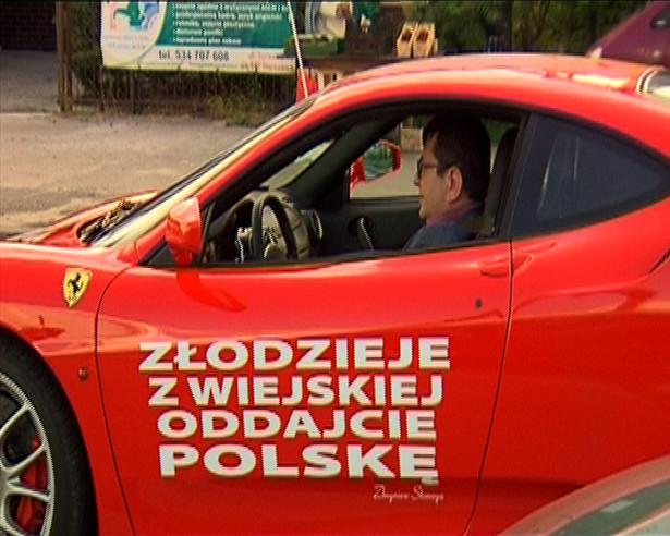 Zbigniew Stonoga w Ferrari (fot. Superstacja)