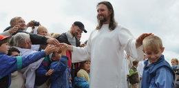 Masy wierzą, że to drugi Jezus. Wpadł w zasadzkę. Polowali na niego z powietrza