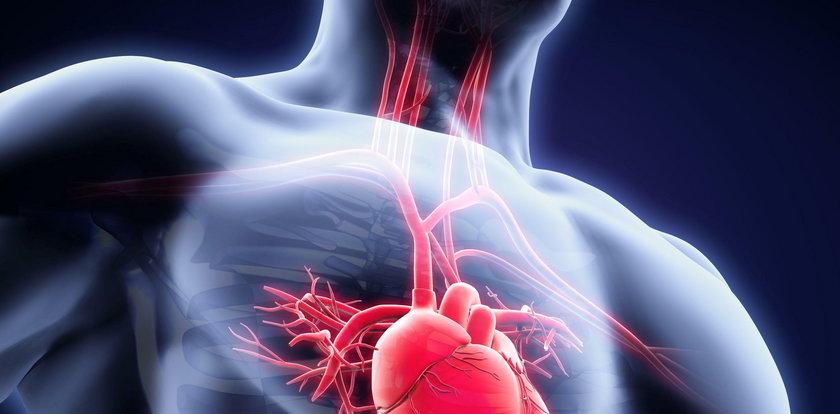 Niektórzy ludzie mają serce po prawej stronie. Z czego to wynika?