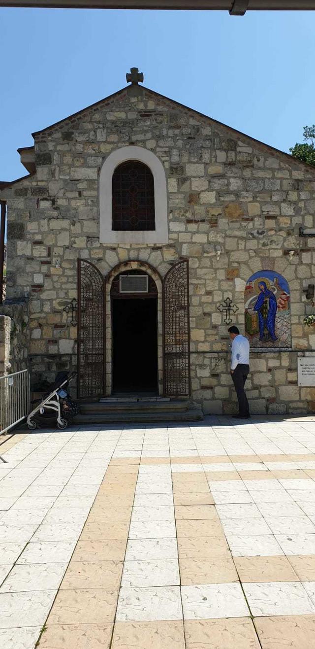 Crkva Svete Petke, u kojoj Darko Lazić krsti sina
