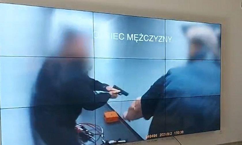 Łukasz Łągiewka zmarł po interwencji policji. Brakujące fragmenty nagrania