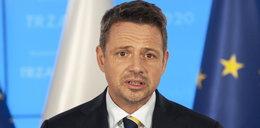 """Rafał Trzaskowski skrytykował system szczepień. """"Kolejna odsłona chaosu"""""""