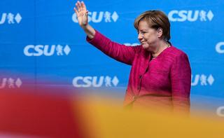 Węgry: Orban pogratulował Merkel i Seehoferowi