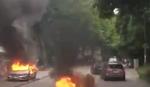 SNIMAK DIVLJANJA U HAMBURGU Demonstranti ne staju, u celoj ulici GORE AUTOMOBILI (VIDEO)