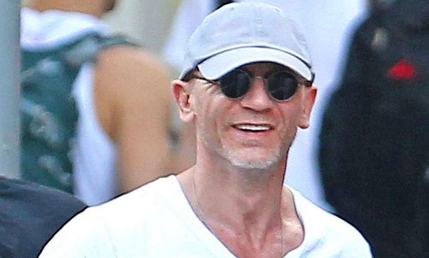 Ten luzak to Daniel Craig. Poznałbyś go?
