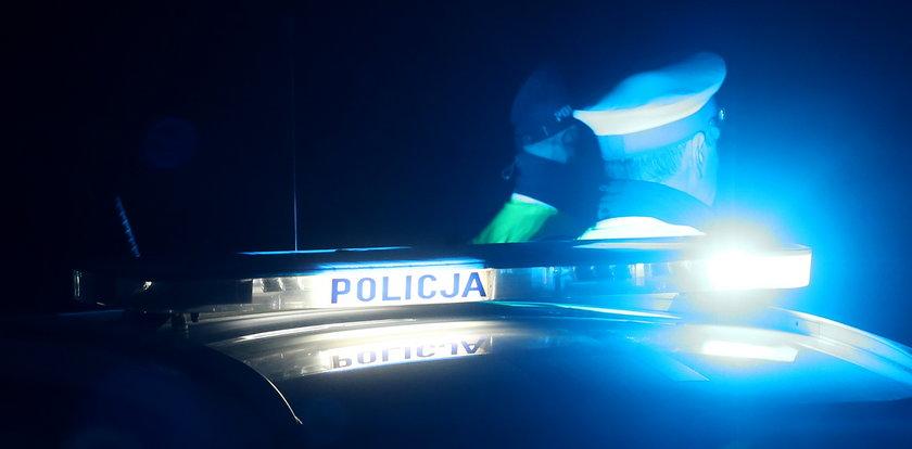 Napad na bank w Rozogach. Policja szuka zbiegłego sprawcy