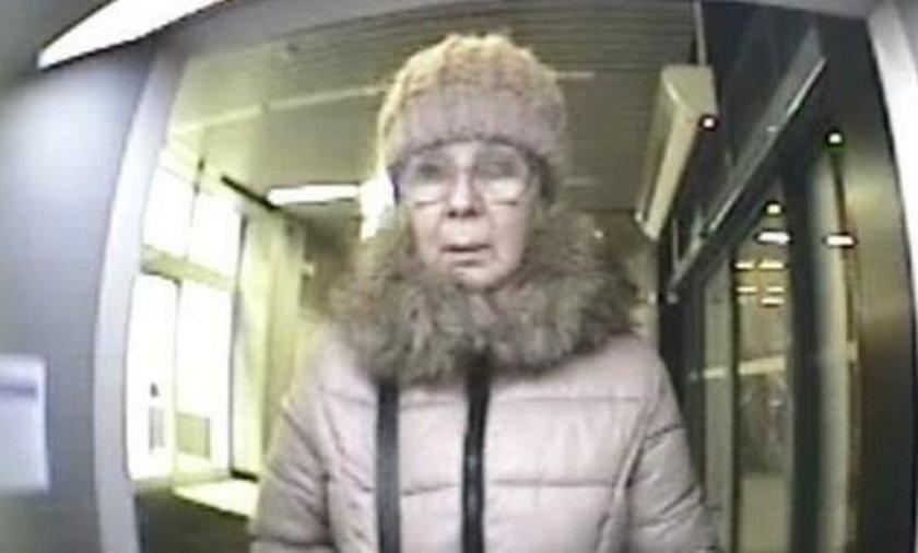 Łódź. Poszukiwana kobieta. Zabrała 900 zł z bankomatu Pekao S.A.