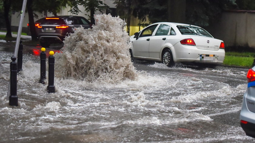 Burze i ulewne deszcze w Warszawie