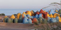 Bajkowe osiedle na maleńkiej wyspie czeka na lokatorów. Każdy chciałby tam zamieszkać