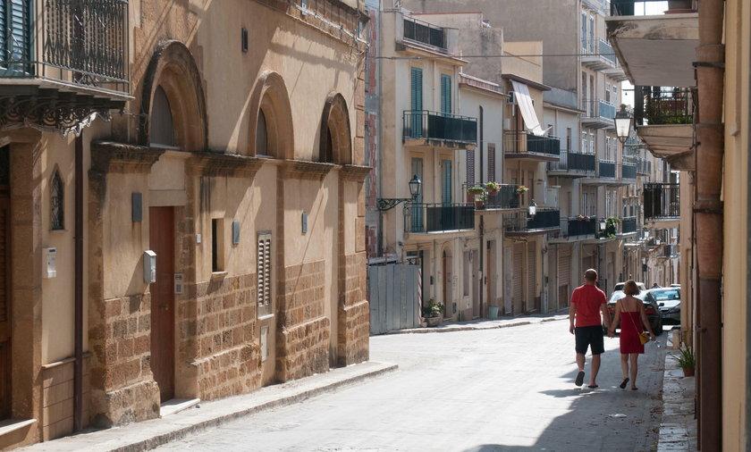 Włochy: Władze Sambuca di Sicilia sprzedają domy. Wystarczą 4 złote!