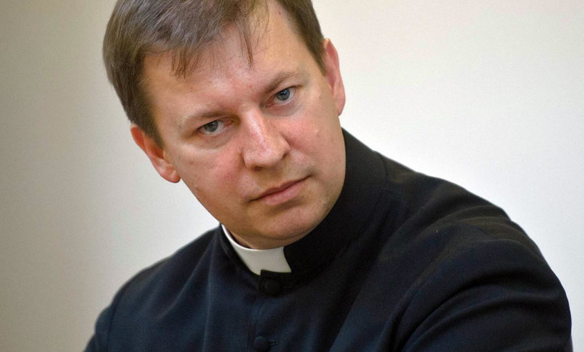 Rzecznik Episkopatu Polski o Wielkanocy: módlmy się w domach