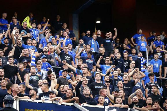 """SKANDAL U HRVATSKOJ """"Bed blu bojsi"""" došli u srpsko selo na utakmicu, klicali NDH i pretili klanjem Srba!"""