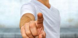 Dłoń partnera może zdradzić rozmiar jego penisa! Na co zwrócić uwagę?