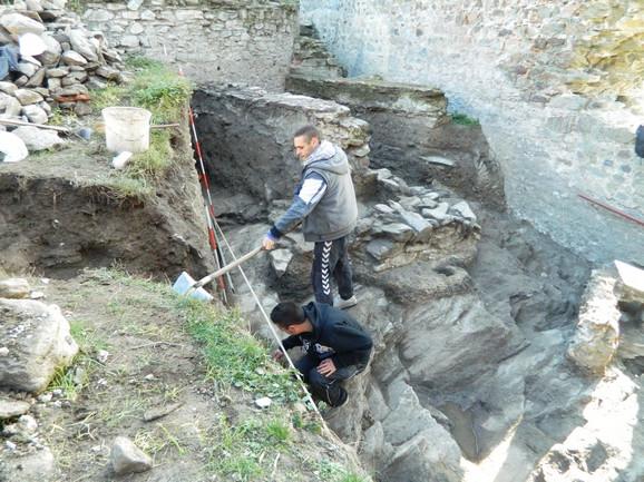 OTKRIĆA: Našli novčiće, keramiku,turske lule za duvan