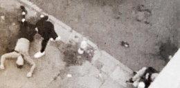 Brutalny atak w centrum Warszawy. Napastnicy bili ofiarę, kiedy zjawił się on...