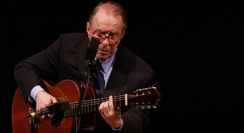 João Gilberto, 88, architect of Bossa Nova who won Grammy Award, dies [Variety]