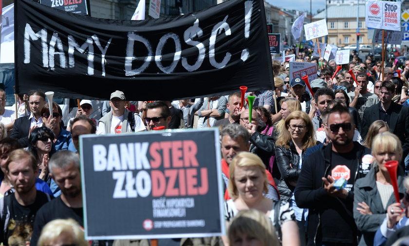 Rząd wykorzysta Brexit przeciwko frankowiczom?