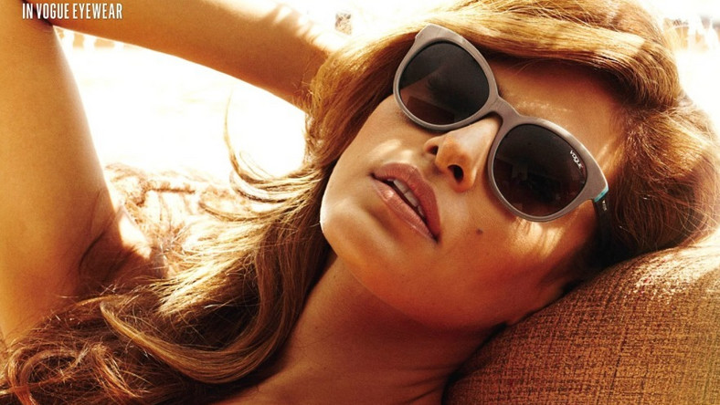 Zachwycająca piękność i muza świata mody oraz znana na całym świecie aktorka świetnie pasuje do radosnego i młodzieńczego ducha Vogue Eyewear