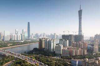 Chiński Kanton zamknął dzielnicę, bo pojawiły się tam nowe przypadki zakażeń. 20 w ostatnim tygodniu
