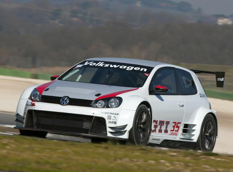 Volkswagen Golf wystartuje w 24-godzinnym wyścigu na Nurburgring