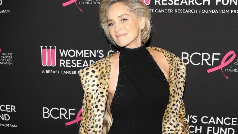 Aktorka wciąż ma w sobie seksapil, którego może jej pozazdrościć wiele młodszych kobiet...