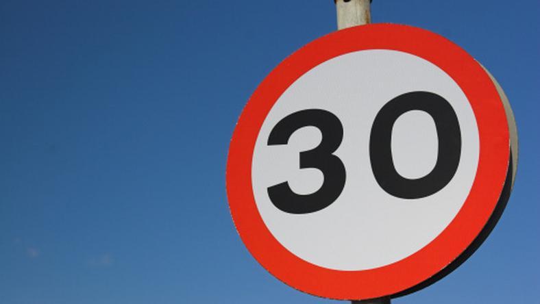 Za znaczne przekroczenie prędkości będzie można stracić prawo jazdy