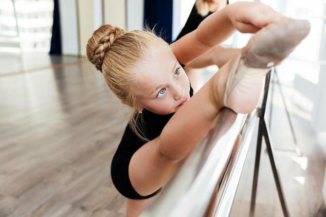 U ovom uzastu dece veoma je važno da se rade vežbice za jačanje muskulature, vežbe istezanja, ravnoteže