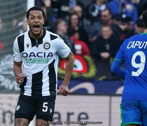 William Troost-Ekong recentemente renovou contrato com a Udinese (Simone Ferrard / Petrussi)