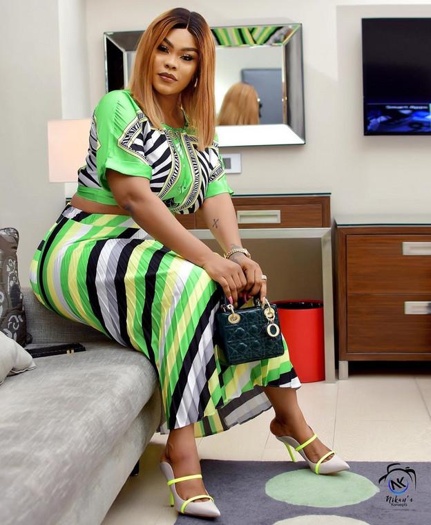 Christmas: Nollywood Actress Daniella Okeke Acquires New Mansion [Photo]