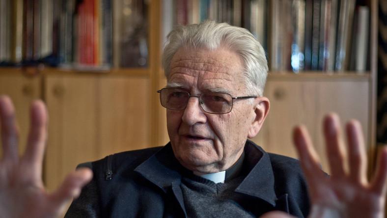 Gwiazda lewicy broni księdza Bonieckiego