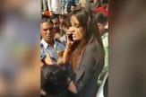 indija seksualno zlostavljanje zgrabila muškarca za kragnu