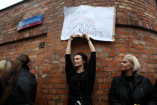 Czarny poniedziałek: Trwa zbiórka podpisów. 'Naszą bronią jest referendum ogólnokrajowe'