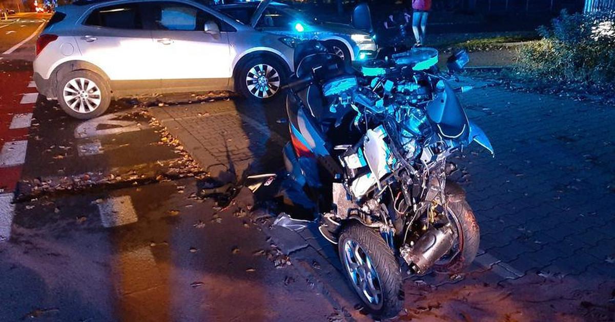 Warszawa. Słynny kierowca motoambulansu miał wypadek. Jego ...