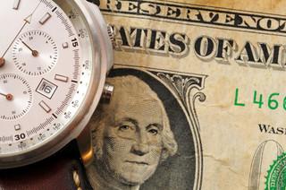 Niższy deficyt handlowy w USA powinien umocnić dolara, ale…