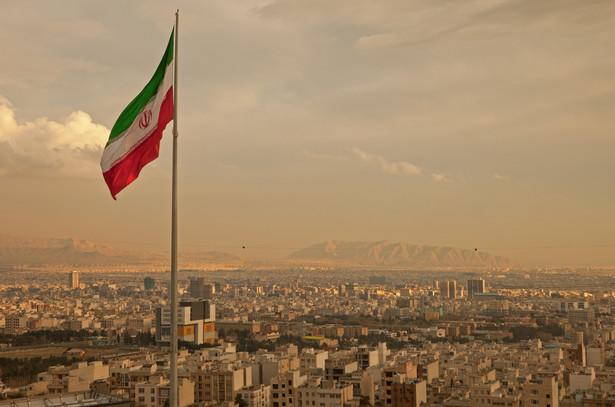 """Do handlu z Iranem zachęcała """"w szczególności małe i średnie przedsiębiorstwa"""", podkreślając, że handel jest integralną częścią paktu."""