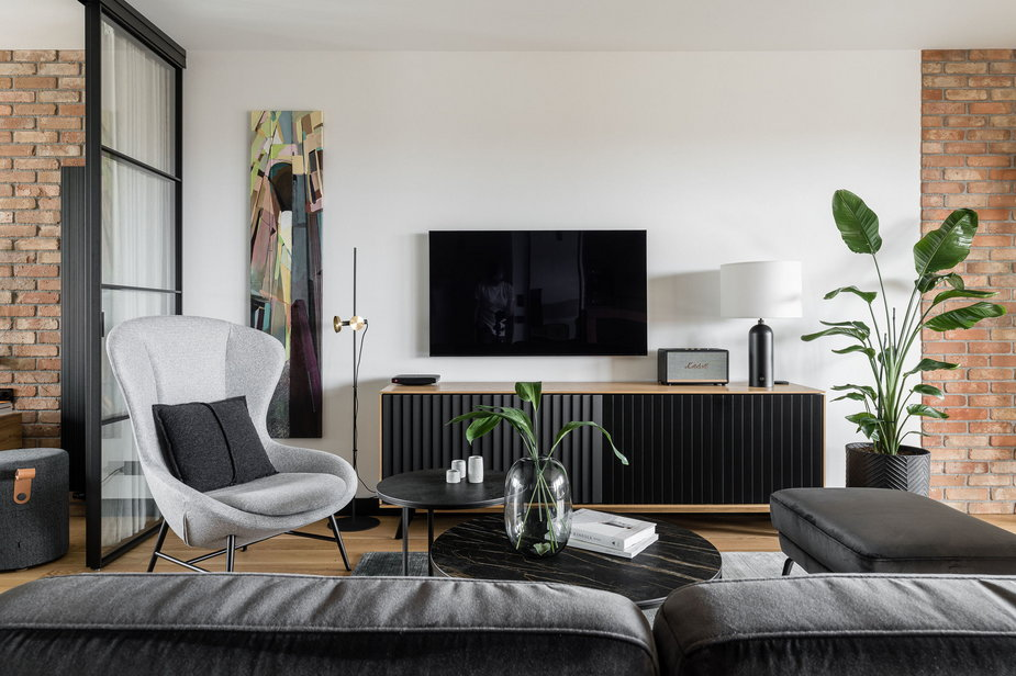 Loftowa elegancja. Zaglądamy do 75-metrowego mieszkania w Koszalinie