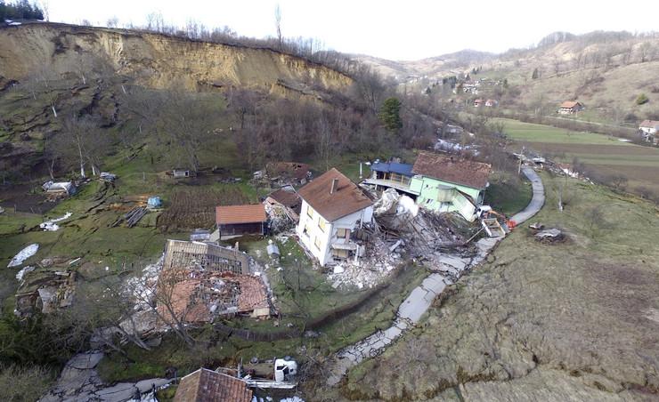 Hrvatska Kostajnica poplave foto ap