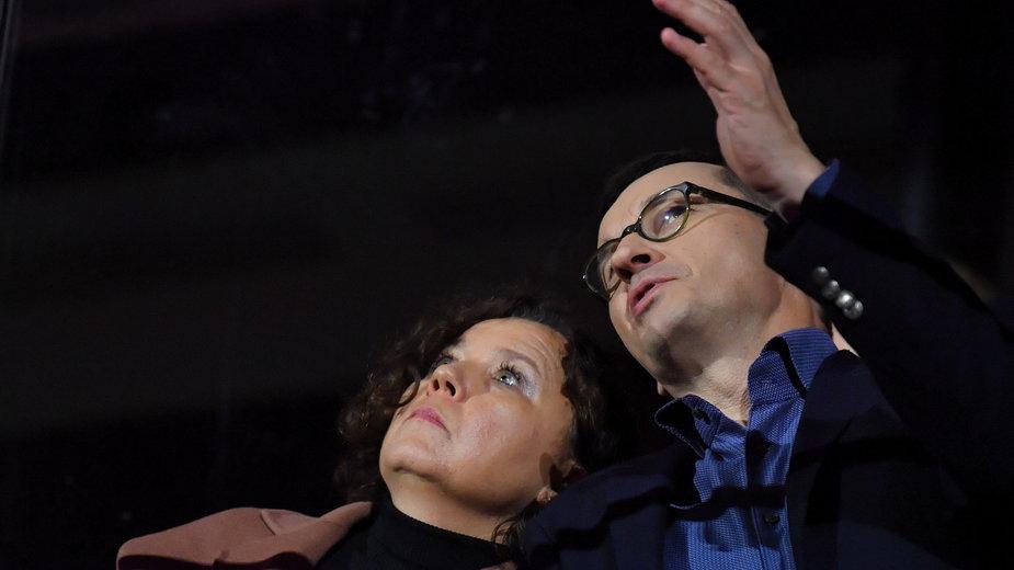 """Mateusz Morawiecki z żoną Iwoną podczas koncertu """"Solidarni z Białorusią"""""""