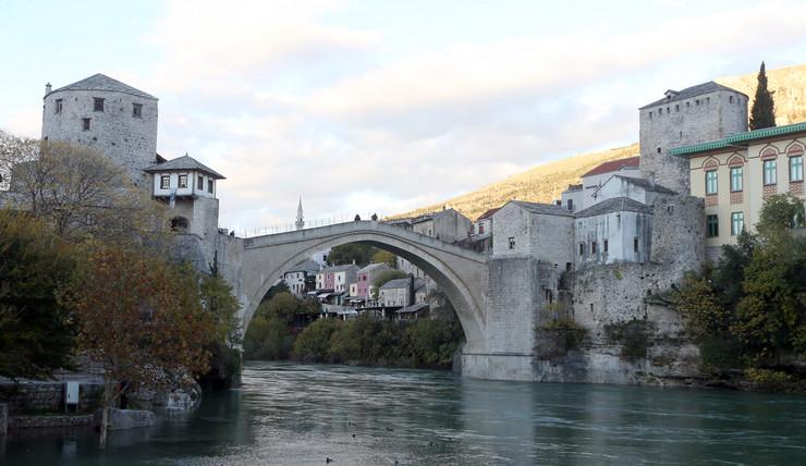 mostar stari most turisti
