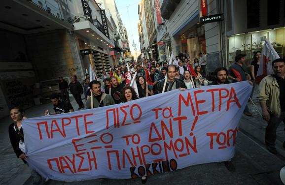 Mere štednje, uvedene u maju, izazvale su masovne proteste širom Grčke