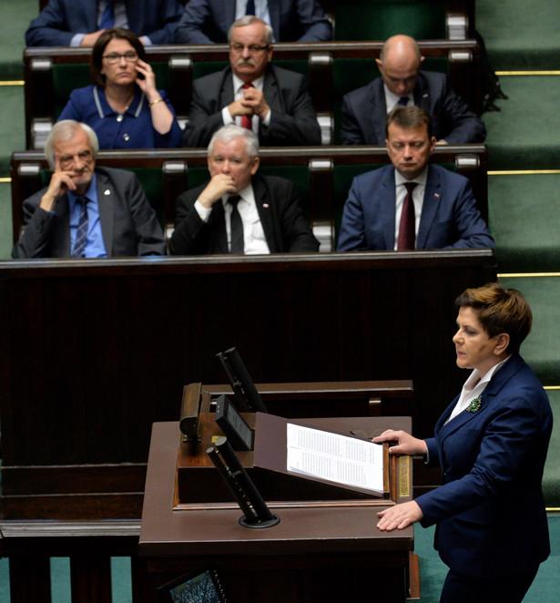 Premier Beata Szydło przemawia w Sejmie nt. sytuacji w CZD.