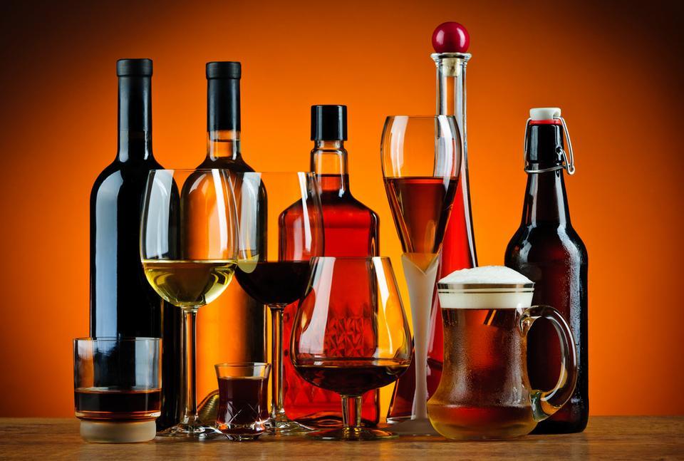 Produkty, które wywołują zgagę: alkohol