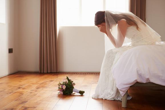 FIJASKO NA SVADBI U NIKŠIĆU Prija naručila srpsku pesmu, porodice se  zavadile, brak pukao posle TRI SATA