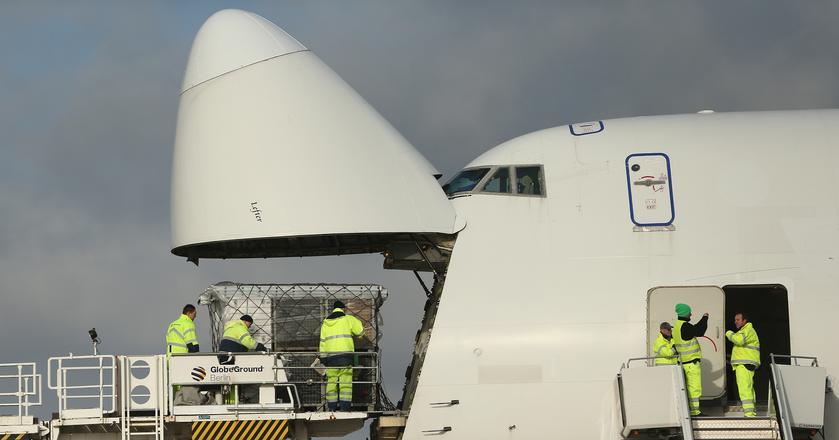 """Boeing 747 w latach 70. zapoczątkował nową erę w lotnictwie. Aż do pierwszej dekady XXI wieku był niekwestionowaną królową przestworzy, nazywaną """"Queen of the Skies) i największym pasażerskim odrzutowcem na świecie"""
