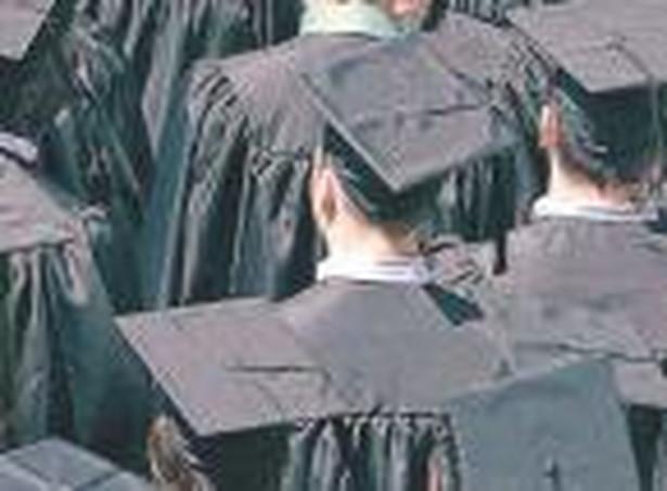 Studenci i maturzyści mają w tym roku ostatnią szansę, aby nie płacić za drugi i kolejny kierunek studiów.