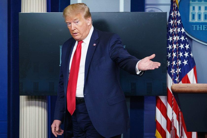 Trump zachęca do zażywania niesprawdzonego leku na koronawirusa