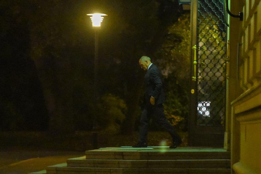 Nocna narda PiS w siedzibie KPRM