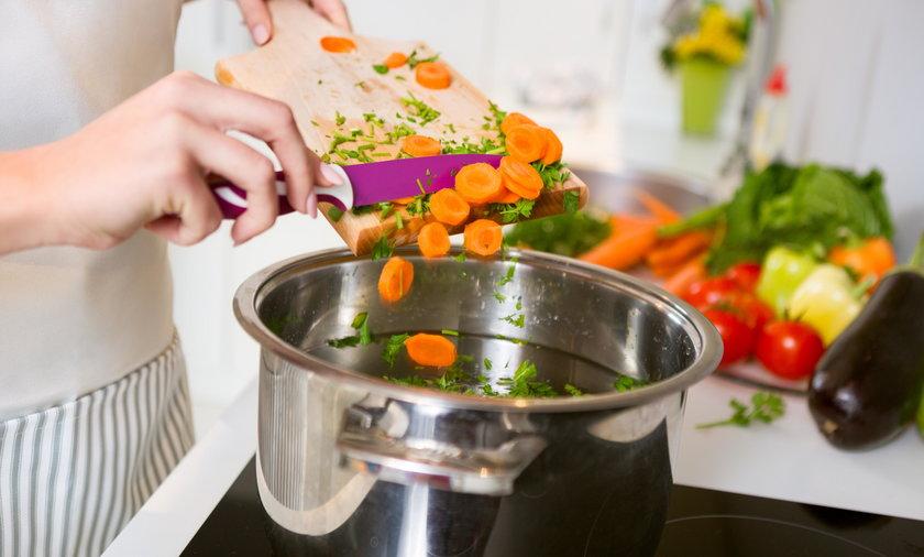 gotowanie, kuchnia, warzywa, zupa, garnek